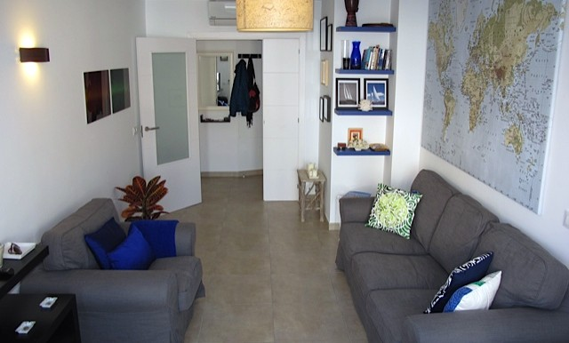 caro living room2