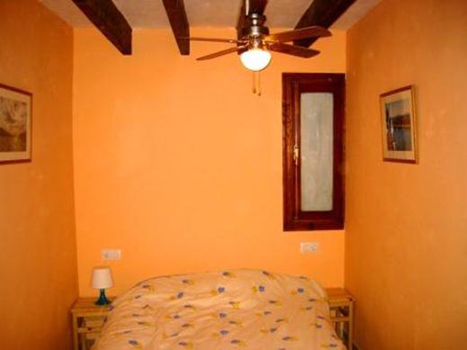 C Oli left bedroom comp