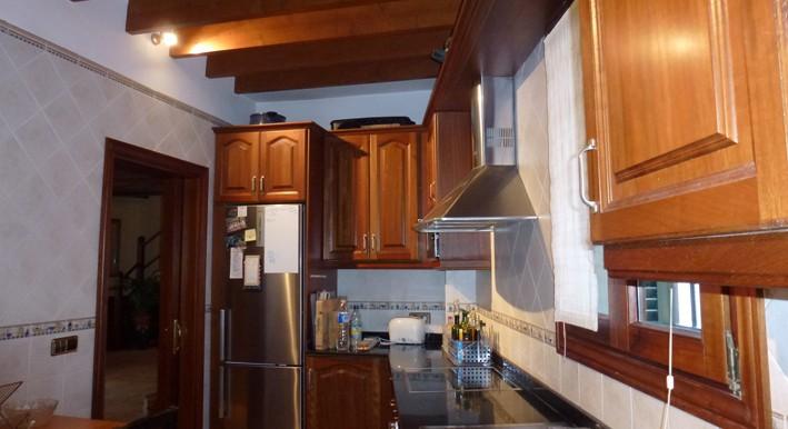 Terrer 6 kitchen 1